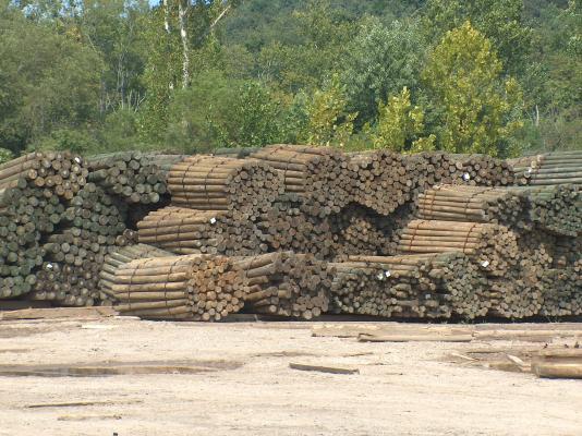 woodposts_poles.jpg